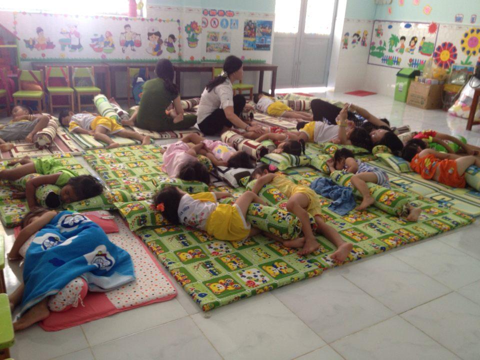 sáng 10/9/2018 trường MG Tân Thuận tổ chức buổi đầu tiên ăn bán trú cho trẻ